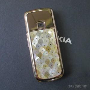 dien-thoai-nokia-8800-gold-kham-trai-caro-04__39124_zoom