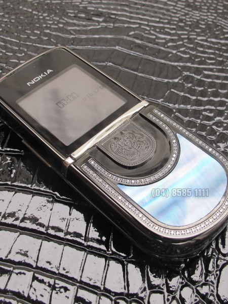 nokia-8800-King-Arthur-black-01