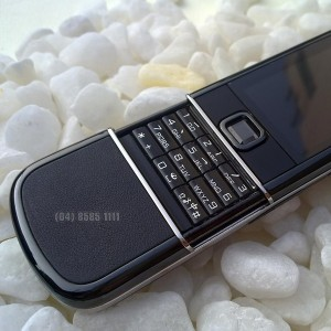 nokia-8800-sapphire-black-arte-04