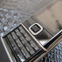 nokia-8800-sapphire-black-diamond-05